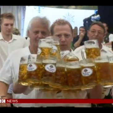 German waiter smashes beer-carrying record