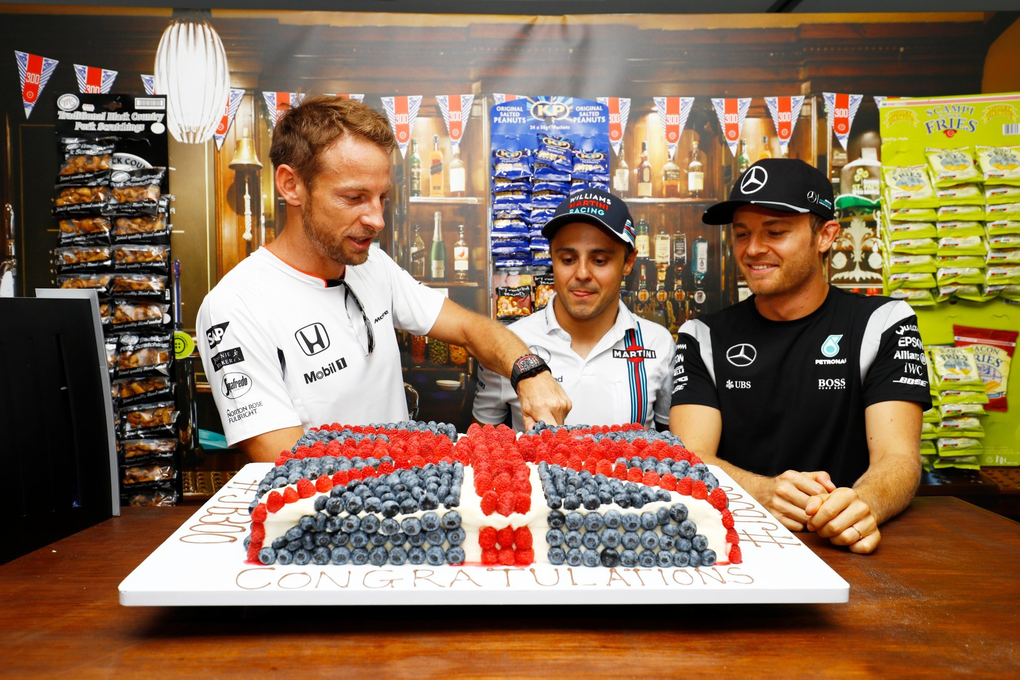 CyrdLh WIAEPHBA 1 - #F1 won't be the same without these three guys.