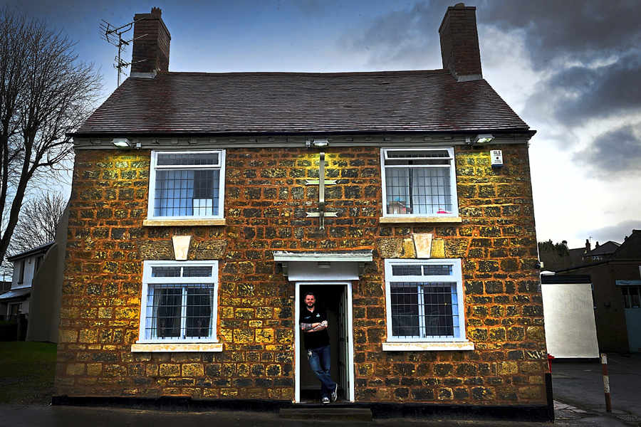 chapel house pub 1 1 - Black Country pub restored to its former glory to recreate 19th century look