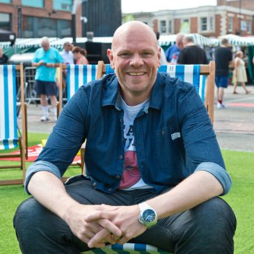 Tom Kerridge the Chef Lost 150 Pounds Eating Pork Scratchings!