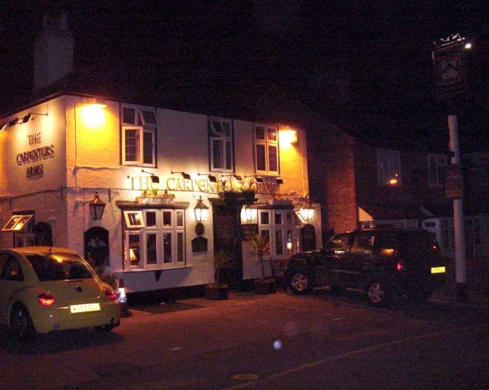 The Carpenters Arms Loughton Essex Pub Review 690x550 - The Carpenter's Arms, Loughton, Essex - Pub Review