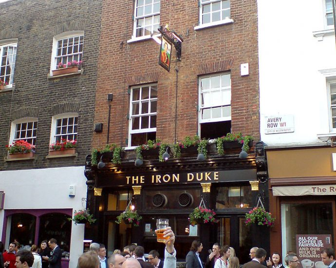 The Iron Duke Mayfair London Pub Review 690x550 - The Iron Duke, Mayfair, London - Pub Review