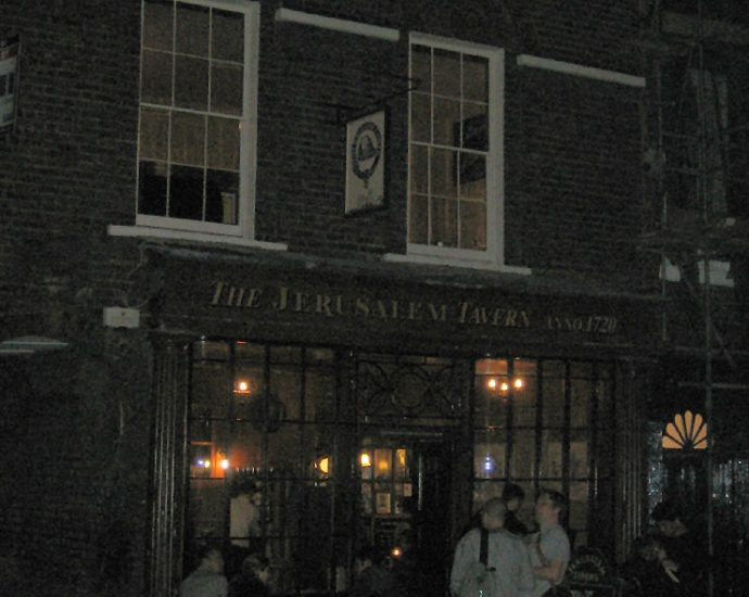 The Jerusalem Tavern Clerkenwell London Pub Review 690x550 - The Jerusalem Tavern, Clerkenwell, London - Pub Review