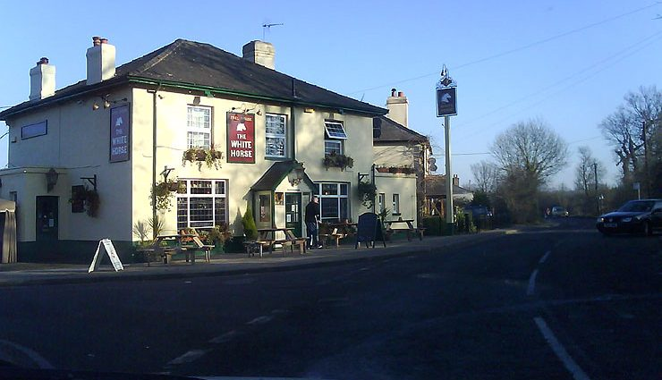 The White Horse Brentwood Essex Pub Review 740x425 - The White Horse, Brentwood, Essex - Pub Review