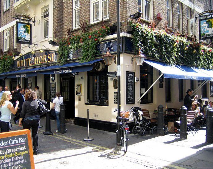 The White Horse Soho London Pub Review 690x550 - The White Horse, Soho, London - Pub Review