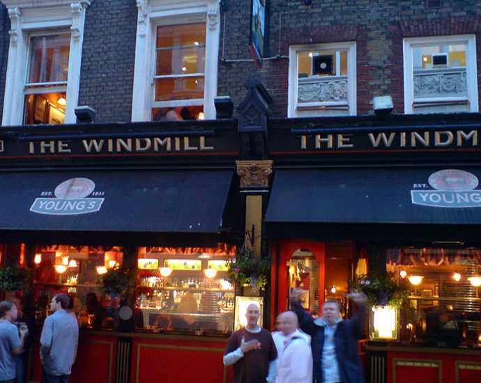 The Windmill Mayfair London Pub Review 690x550 - The Windmill, Mayfair, London - Pub Review