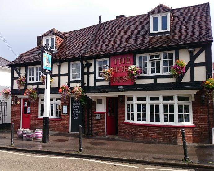 NINTCHDBPICT000515367376 690x550 - Best pubs in Britain for 2019 revealed in annual competition to find UK's top boozer