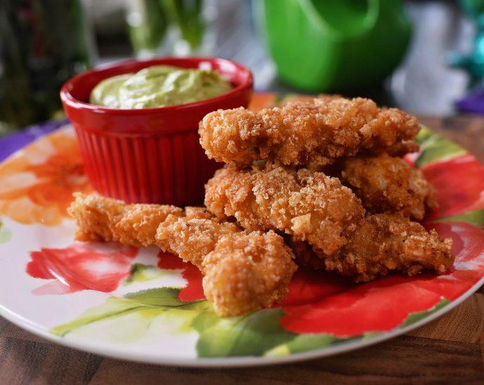 PorkRindChickenStrips2 690x550 - Pork Rind/Crunch Chicken Strips Recipe!